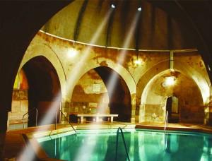Sunshine-in-Kiraly-Bath-Turkish-Baths-Budapest-300x228